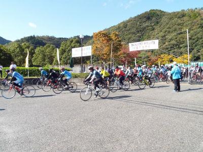 もうすぐ満員!第10回サイクリング大会お申込みはお早めに!